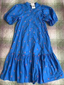 Zara Embroidered Flowers Dress. Size M
