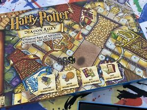 VINTAGE 2001 HARRY POTTER DIAGON ALLEY BOARD GAME