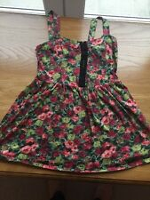 topshop size 8 Floral Top , With Hook And Eye Fastening To The Front