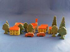 Ancien décor en bois pour jeu de société ancien 19 Maisons + arbres + voitures