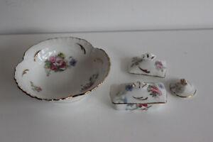 Nécessaire de toilette en Porcelaine DINETTE Décor floral Cuvette Boîte à Brosse