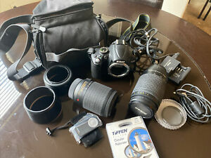 Nikon D5000 12.3MP Digital SLR Camera bundle w/ lense, zoom lens + bag + more