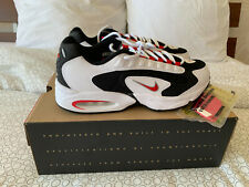 NIKE AIR MAX TRIAX size 44 / 10 US sneakers neuves 100% authentiques