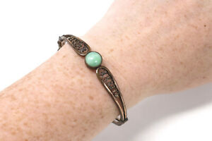 A Lovely Antique Victorian Rolled Gold Green Peaking Glass Bangle Bracelet #139