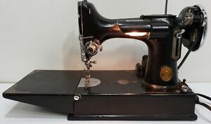 SINGER 221 FEATHERWEIGHT Scroll Face Sewing Machine AF259751 Case & Pedal