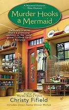 Very Good 0425251845 Mass Market Paperback Murder Hooks a Mermaid (Haunted Souve