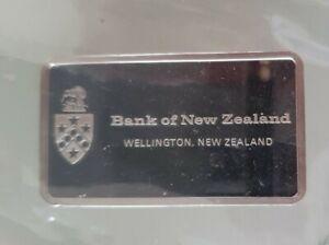 NEW ZEALAND bank Hallmark Sterling Silver Ingot 40grms Minted John Pinches 1975