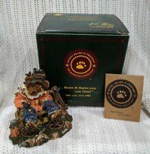 """Boyds Bears """"Einstein Q & Scaredy Bear"""" #228373 Fall Decor Scarecrow Wagon Nib!"""