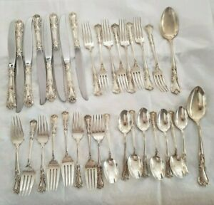 WALLACE STERLING SILVER 34 PIECES FLATWARE SET LADY WINDSOR or VICTORIA GREAT