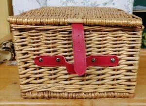 Wicker Lidded Storage Picnic Basket Hamper Kitchen