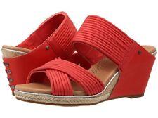 Women's UGG Hilarie Wedge Sandal 9 M Cayenne