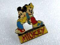 Pin's vintage épinglette Collector Le journal de Mikey LOT DISNEY 013
