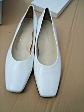 ADF --Womens White Dress shoes size 12B