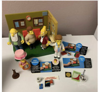 Playmates Simpsons World of Springfield Retirement Castle 5 Figures Interactive