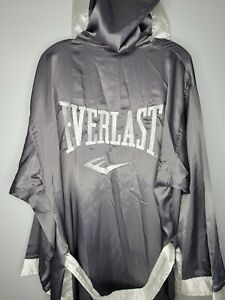 Rare Everlast Full Length Boxing Robe Gray And White Size Large / XL Pre-Owned