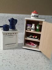 Miniatures dollhouse Furniture And Accessories Lot /kitchen appliances.