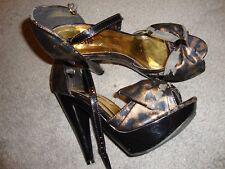 Charlotte Russe Peep Toe Platform Pumps Heel Stiletto Wedge Sz 8 Gold/Black  135