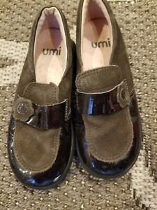 Umi baby toddler girl / Brown leather slip on shoes size 25 8.5