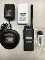 MOTOROLA HT1250 VHF 136-174mhz 128ch PORTABLE RADIO AAH25KDF9AA5AN Narrow band