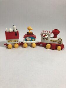 Vintage Peanuts: Snoopy + Woodstock - 3 Piece Train Set