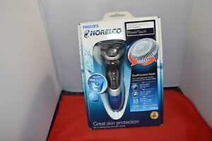 Philips Norelco AQUATEC AT810 Wet/Dry PowerTouch Cordless Electric Razor/Shaver