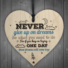 Never Give up Inspirational Motivational Quote Wooden Heart Friendship Sign Gift