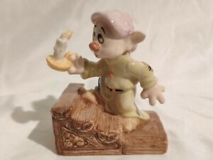 DOPEY BY CANDLELIGHT Royal Doulton Snow White and the seven dwarfs  Disney SW17