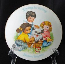 Avon Mothers Day Loving Is Caring Collector Plate 1989 White Gold Porcelain