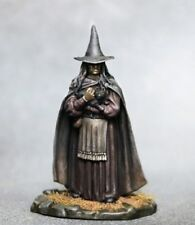 DARK SWORD MINIATURES - DSM7334 Female Witch / Old Crone w/Cat