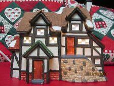 CHRISTMAS HOUSE BRICK STEPS HEARTLAND VALLEY VILLAGE PORCELAIN LIGHTED