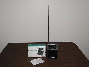 VINTAGE 2000 RADIO SHACK AM/FM POCKET RADIO IN BOX