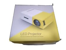 Tragbarer 1500LM LED Projektor Mini Beamer Heimkino HD 1080P USB HDMI AV VGA DE