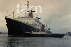35mm slide Shipping scene France Southampton 1960s r169