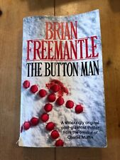 """1993 BRIAN FREEMANTLE """"THE BUTTON MAN"""" FICTION THICK PAPERBACK BOOK"""