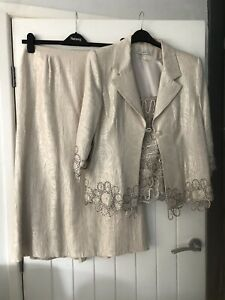 Gina Bacconi size 14, Three piece occasion outfit, nude. Gorgeous.