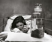 """PATTY DUKE IN THE FILM """"VALLEY OF THE DOLLS"""" - 8X10 PUBLICITY PHOTO (AB-556)"""