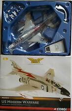 CORGI AVIAZIONE McDonnell F-4J PHANTOM AA 33212 Duxford certificato N. 0003 del 2500