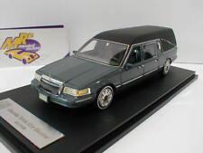 GLM 43102701 - Lincoln Towncar Hearse Leichenwagen Bj. 1997 in graumetallic 1:43