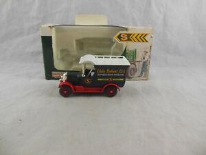 LLedo Days Gone DG050036 Bull Nose Morris Van Eddie Stobart Ltd
