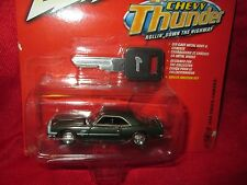 JOHNNY LIGHTNING 1968 chevy camaro thunder  key series green  1/64 JL