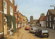 Thirsk, Yorkshire, Vet's House and Kirkgate, auto, cars