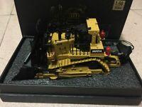Hui Na Models! Track-Type Bulldozer 1/50 Metal Tracks Engineering Vehicle Model