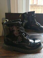Girls Dr Martens doc martens boots  Black Patent Size 10 Infant