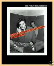 ELVIS PRESLEY  SUPRBERB PHOTO 8x10 BACKSTAGE IN GOLD PANTS HAVE 1 IN STOCK