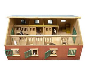 Kids Globe Bauernhof Pferdestall, Maßstab 1:24, Holz, Reiterhof mit Faltdach