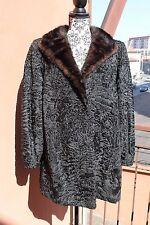 Cappotto vintage in pelliccia astrakan nero con collo in visone