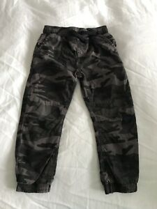 Boys Army Camo Trousers Size 4-5 Years Great Condition