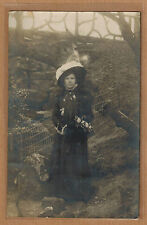 Carte Photo vintage card RPPC femme chapeau robe deuil ? mode fashion kh0130