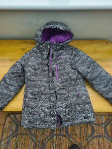 Columbia ski jacket girls children kids. S Small 9-10 Great cond.. Used once.