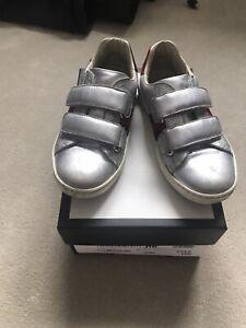 Gucci Boys Silver  Trainers Size 30